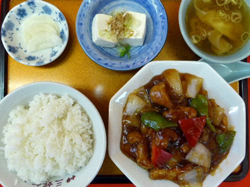 三好飯店3ランチタイム黒酢の酢豚